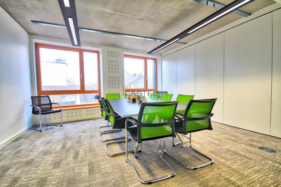 louer bureau 3 chambres 68.88 m² strassen photo 4