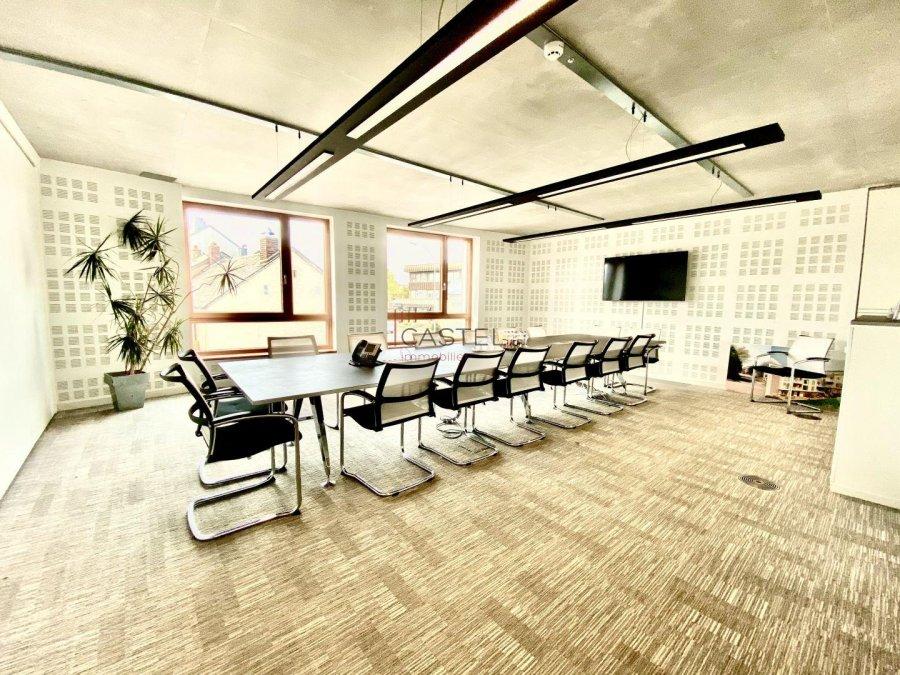 louer bureau 3 chambres 68.88 m² strassen photo 3