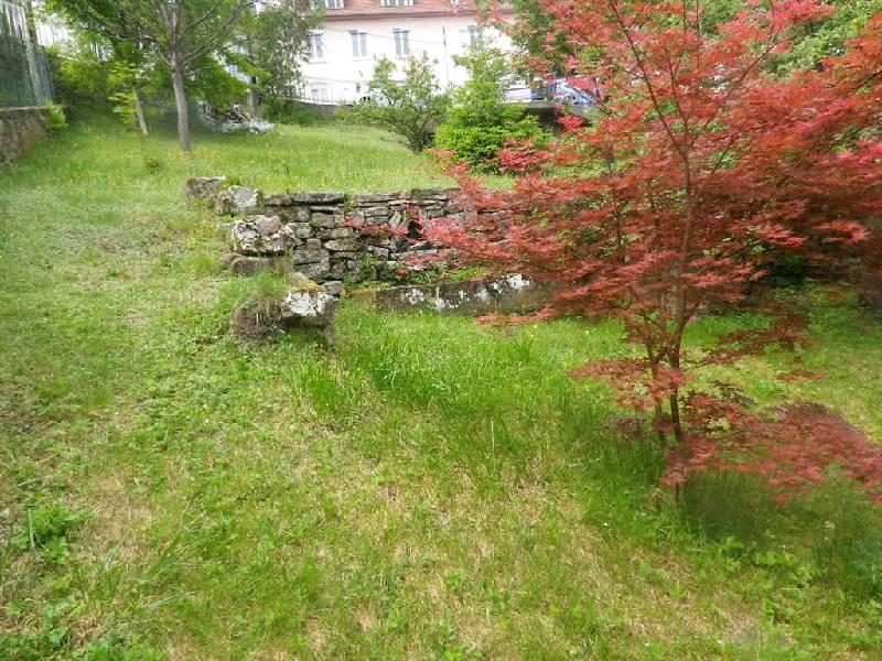 Terrain constructible à vendre à Plombieres les bains