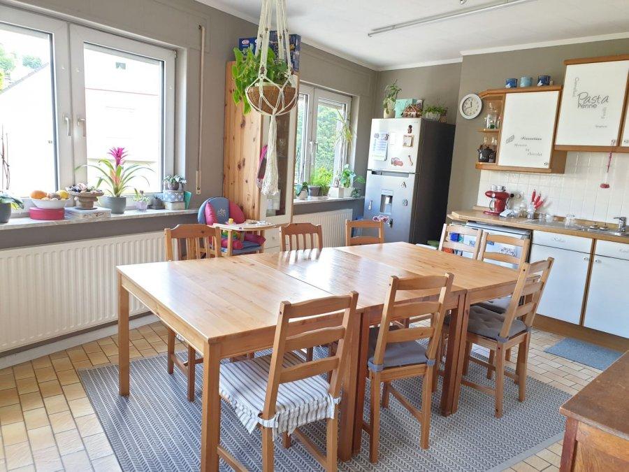 Maison jumelée à louer 5 chambres à Eischen