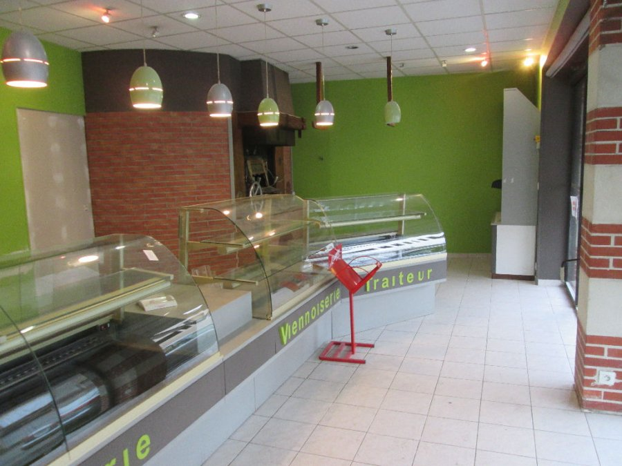 louer local commercial 8 pièces 235 m² thouars photo 2