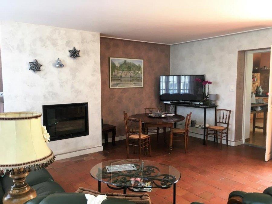 Maison individuelle en vente vernantes 220 m 259 for Ares cuisine laval
