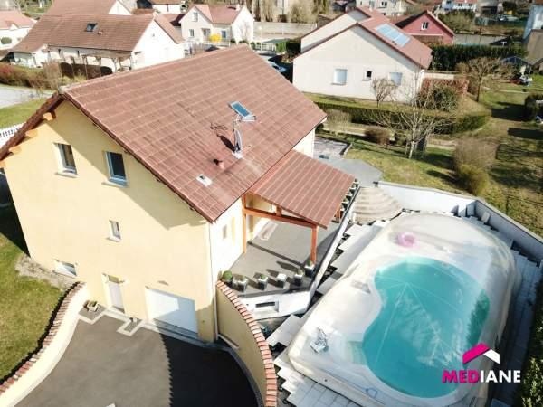 acheter maison 8 pièces 210 m² charmes photo 1