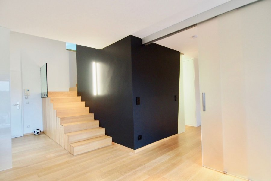 louer duplex 1 chambre 103 m² strassen photo 5