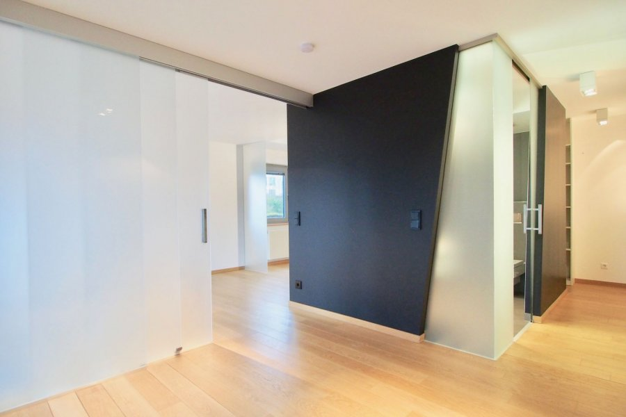 louer duplex 1 chambre 103 m² strassen photo 4