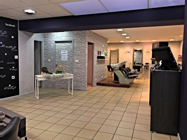 louer bureau 0 pièce 146 m² neufchâteau photo 4
