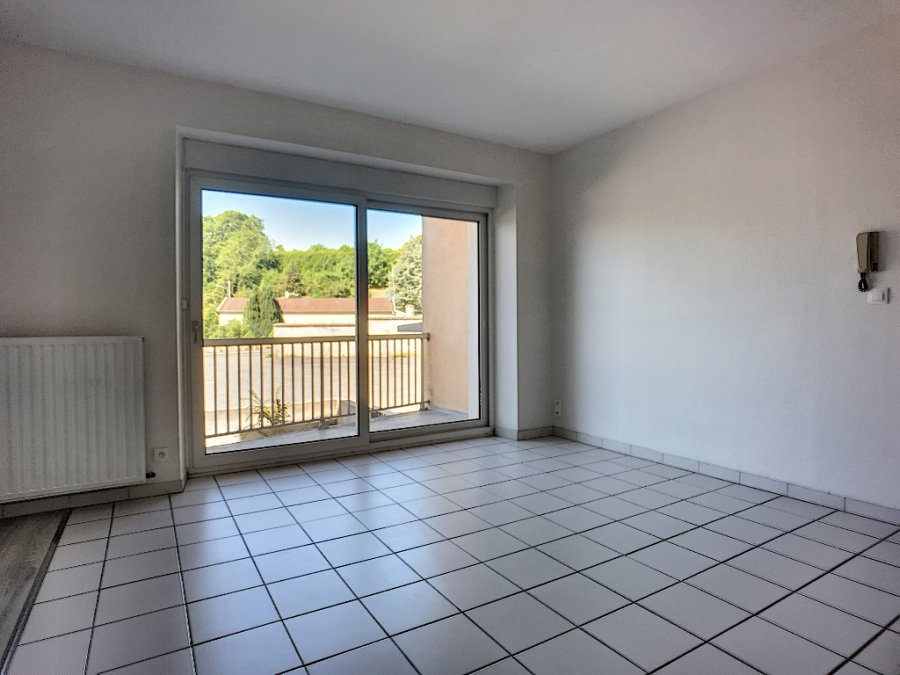 louer appartement 4 pièces 70 m² commercy photo 3