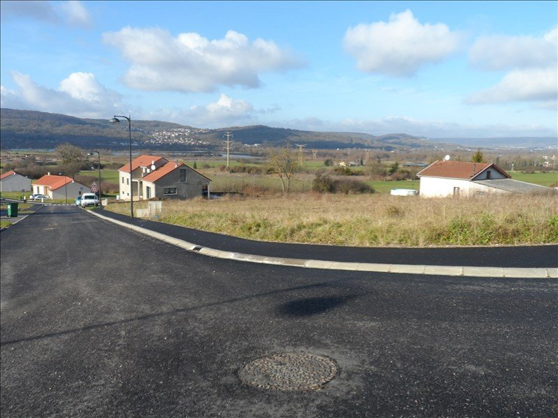 Terrain constructible à vendre à Pont a mousson