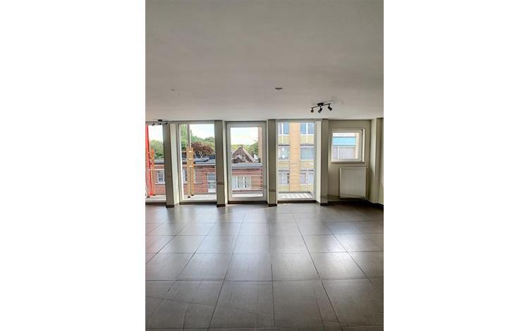 louer appartement 0 pièce 104 m² liège photo 2