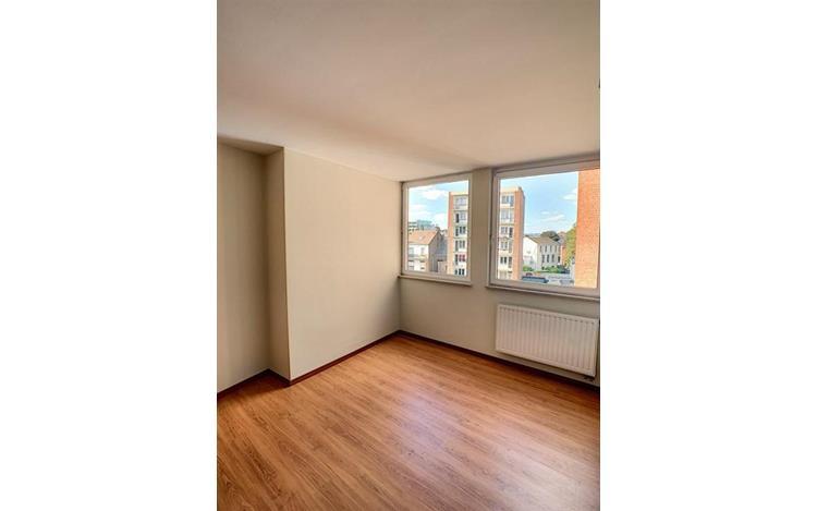 louer appartement 0 pièce 104 m² liège photo 5