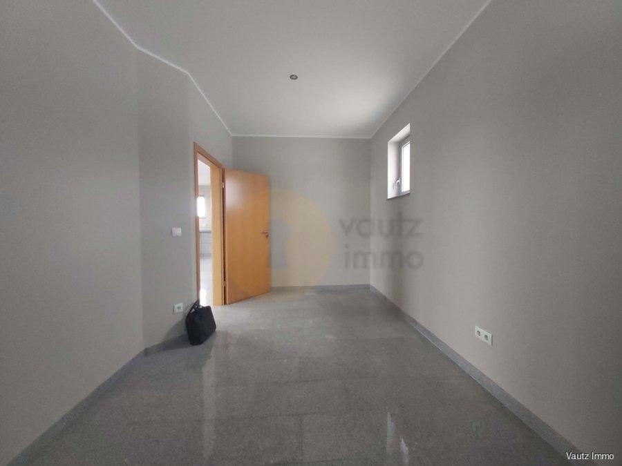 louer bureau 0 chambre 57 m² contern photo 2