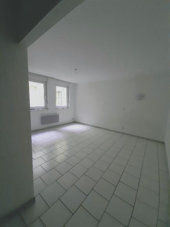 louer appartement 1 pièce 28.7 m² metz photo 1