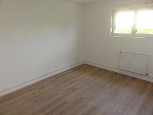 louer appartement 5 pièces 107 m² moyeuvre-grande photo 2
