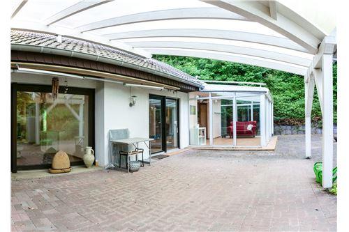 einfamilienhaus kaufen 10 zimmer 320 m² beckingen foto 5