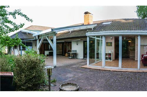 einfamilienhaus kaufen 10 zimmer 320 m² beckingen foto 6