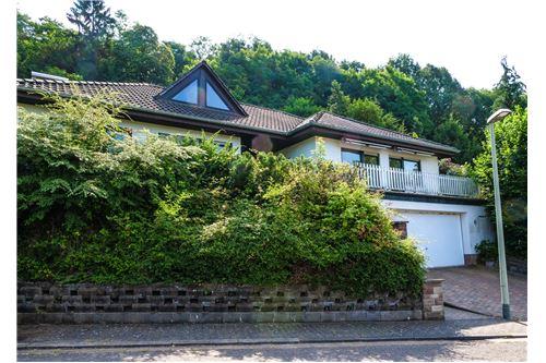 einfamilienhaus kaufen 10 zimmer 320 m² beckingen foto 3