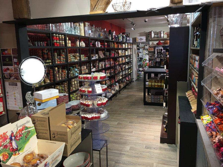 louer local commercial 0 pièce 0 m² evron photo 3