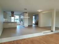 House for rent 6 bedrooms in Bertrange - Ref. 6716266