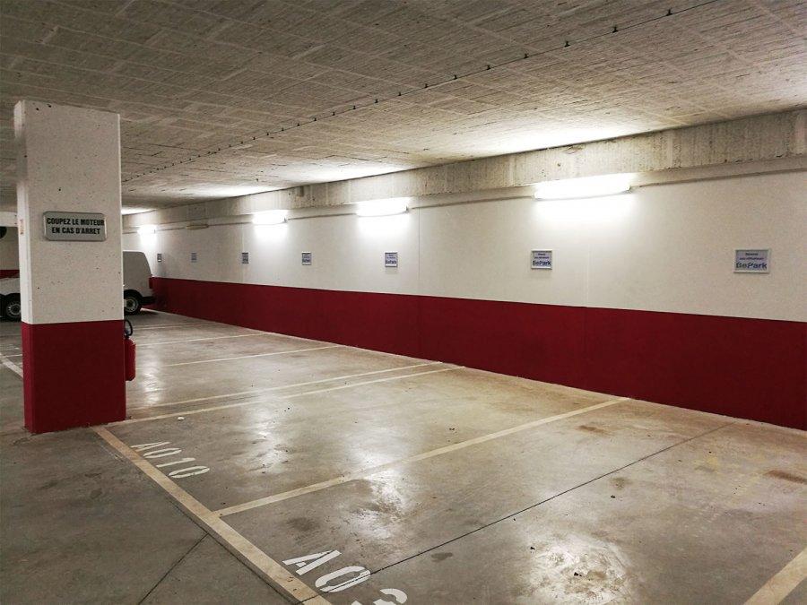 louer garage fermé 0 chambre 0 m² strassen photo 3