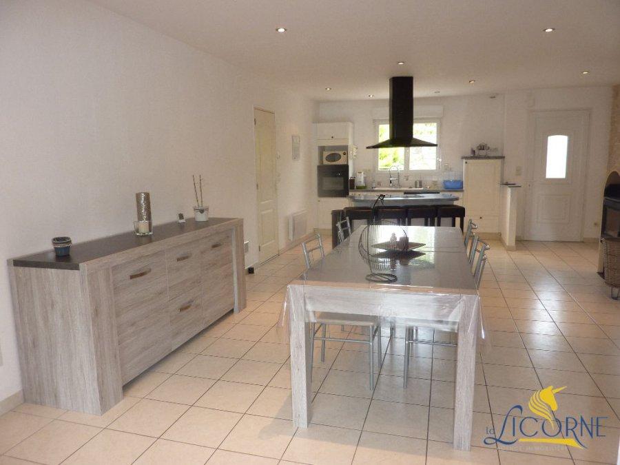 Maison individuelle en vente ambri res les vall es 118 for Acheter une cuisine equipee