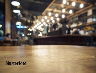 restaurant kaufen 0 zimmer 0 m² tittmoning foto 1