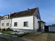 Maison jumelée à vendre 6 Pièces à Weiskirchen - Réf. 6733994
