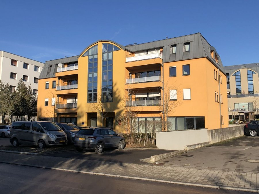 apartment for rent 2 bedrooms 84 m² strassen photo 1
