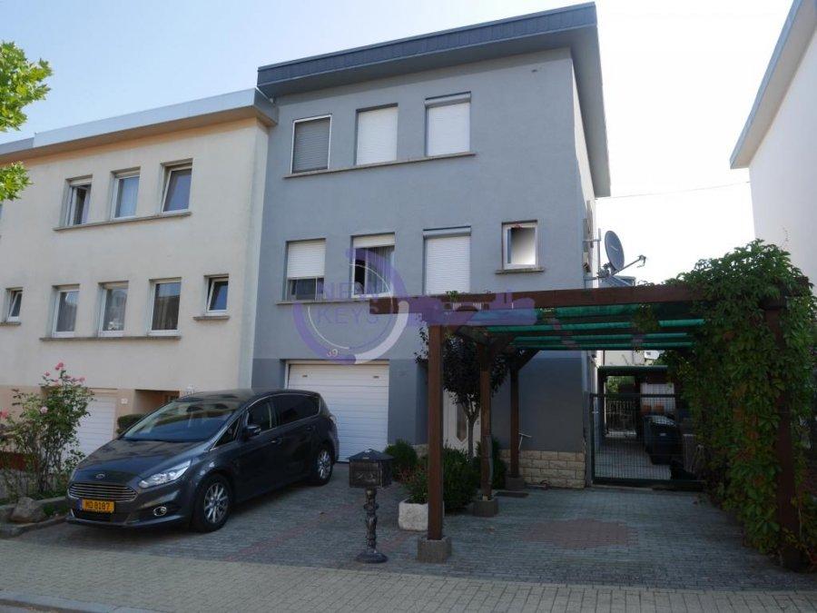 Maison mitoyenne à vendre 3 chambres à Roeser