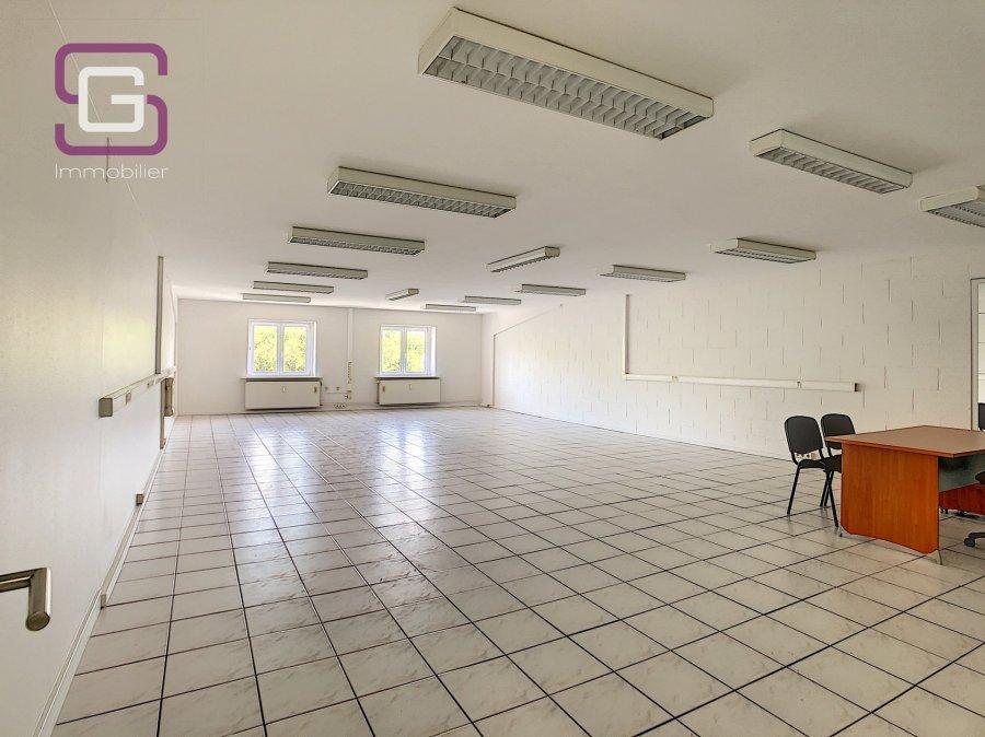 louer bureau 0 chambre 100 m² strassen photo 1