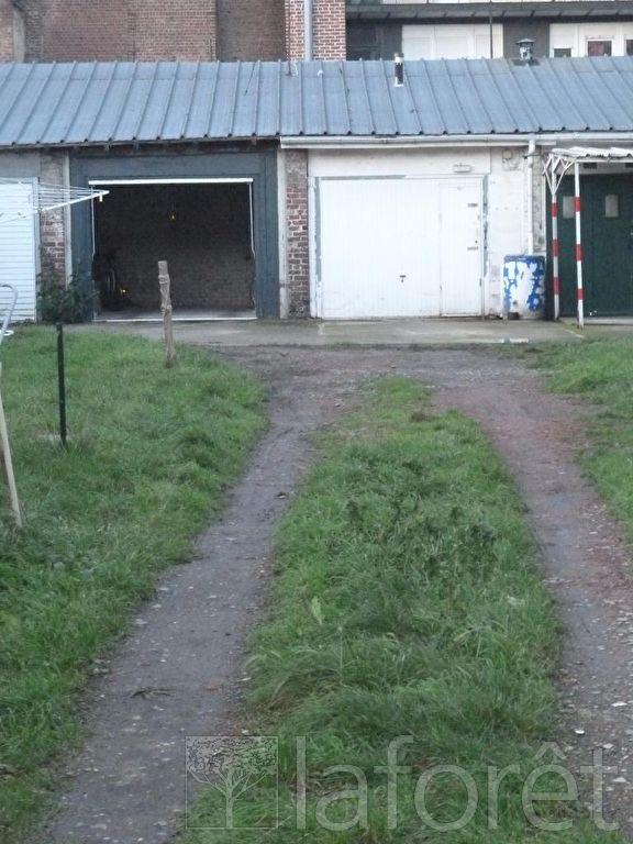 louer garage-parking 0 pièce 14 m² lille photo 3