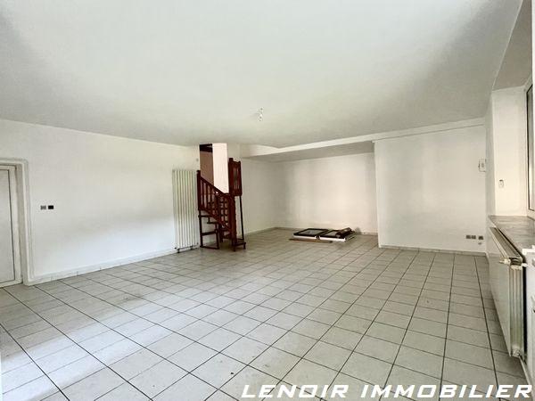 Appartement à louer F5 à Aulnois-sur-seille
