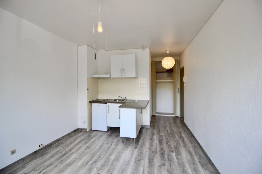louer appartement 1 pièce 21.06 m² metz photo 1