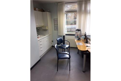 büro kaufen 17 zimmer 501 m² uelzen foto 6