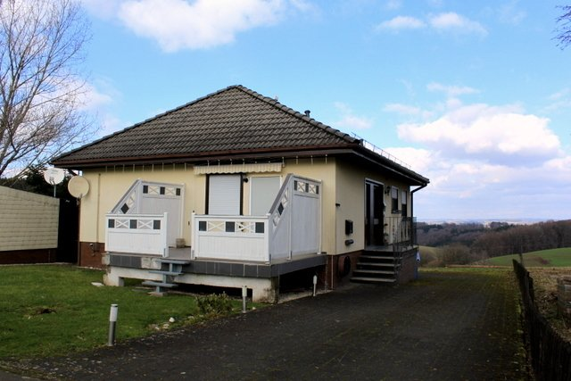 einfamilienhaus kaufen 6 zimmer 150 m² lichtenborn foto 1