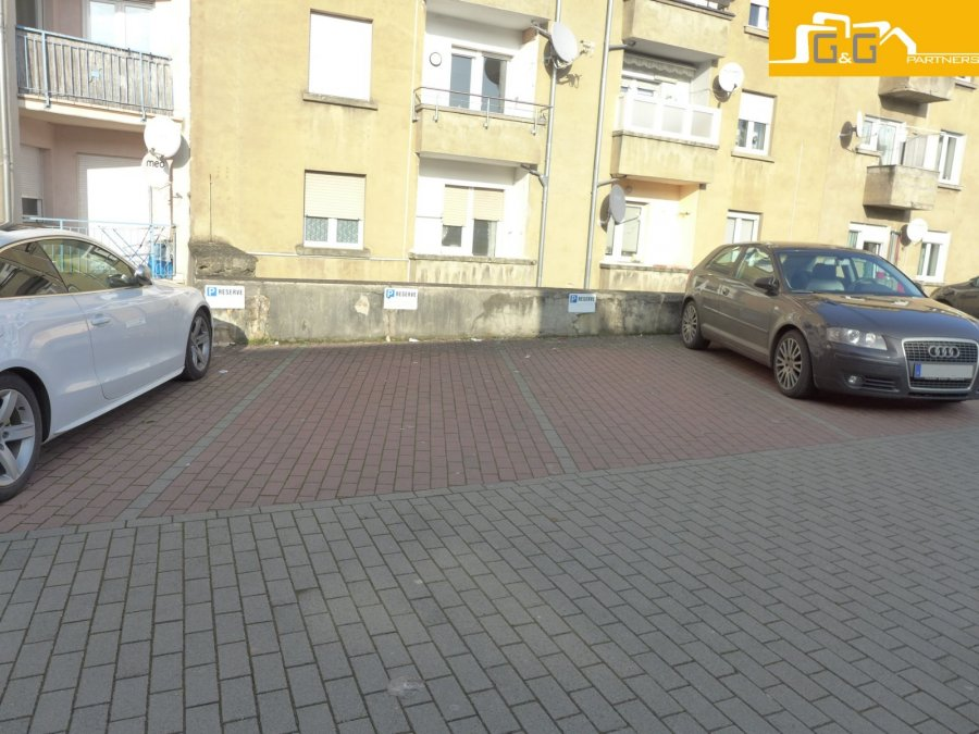 Garage ouvert à louer à Luxembourg-Bonnevoie