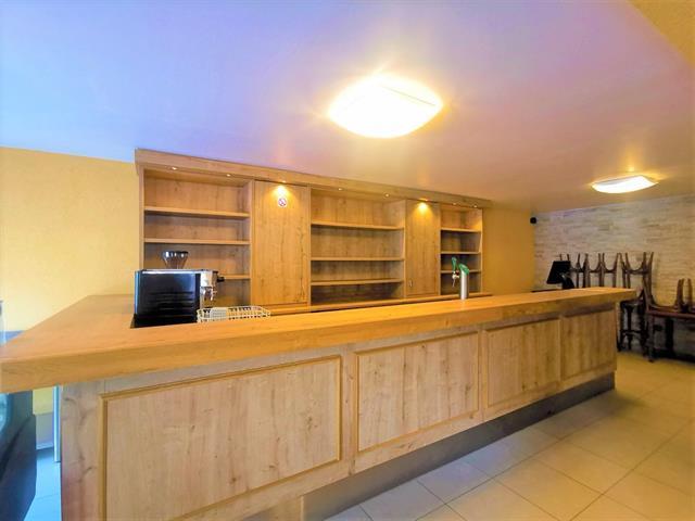 louer restaurant 0 pièce 250 m² arlon photo 1