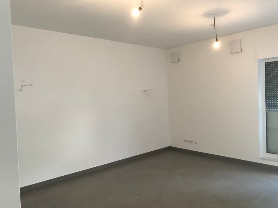acheter local commercial 0 chambre 74 m² schrassig photo 4