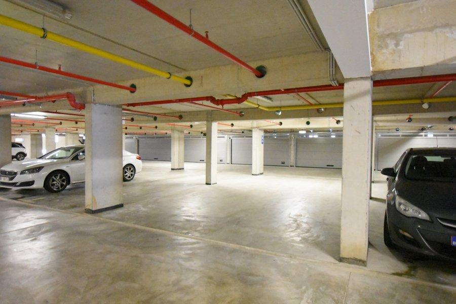 louer garage-parking 0 chambre 0 m² bertrange photo 1