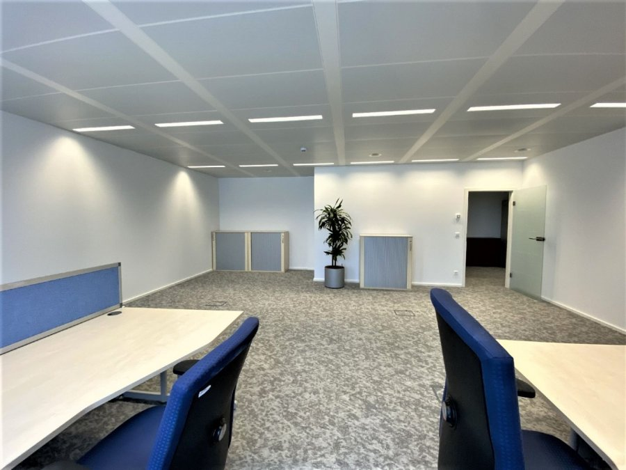 louer bureau 0 chambre 47 m² steinfort photo 3