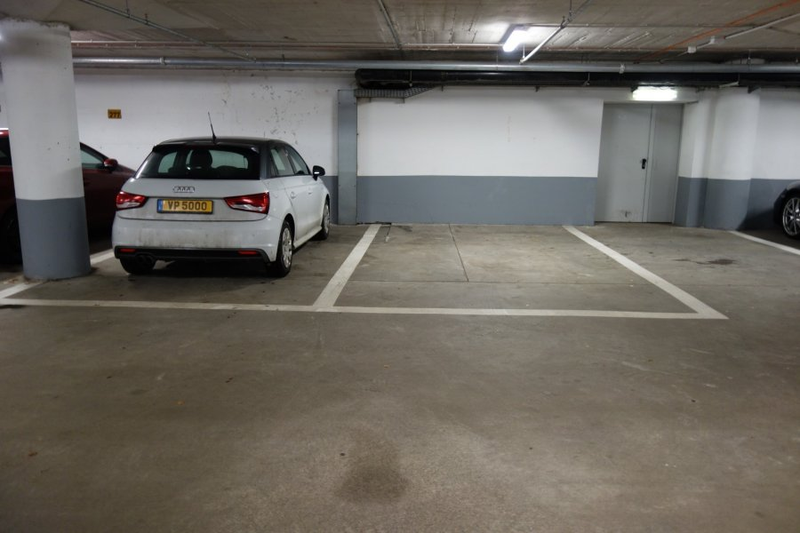 louer garage ouvert 0 chambre 0 m² luxembourg photo 1