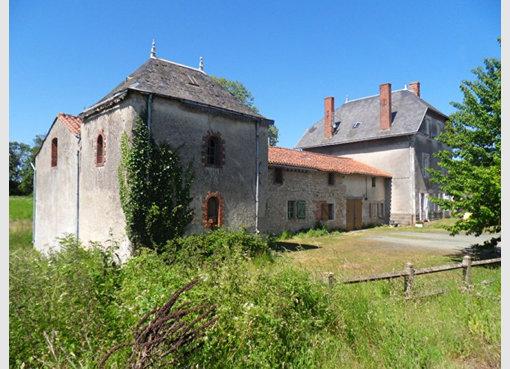 Vente maison 13 pi ces chantonnay vend e r f 5141611 for Maison de l emploi chantonnay