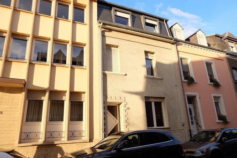 Maison mitoyenne à vendre 5 chambres à Luxembourg-Bonnevoie