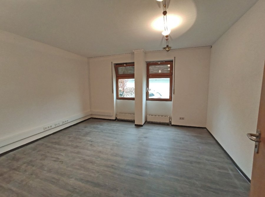 büro mieten 10 zimmer 220 m² merzig foto 3