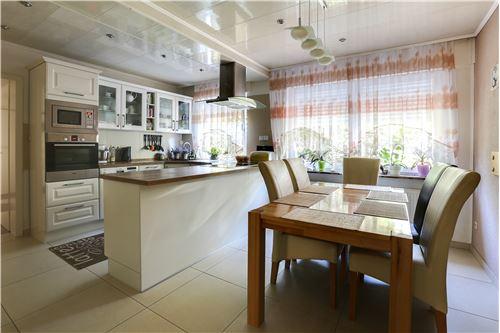 doppelhaushälfte kaufen 0 zimmer 280 m² trier foto 3