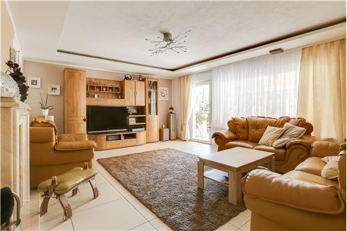 doppelhaushälfte kaufen 0 zimmer 280 m² trier foto 1