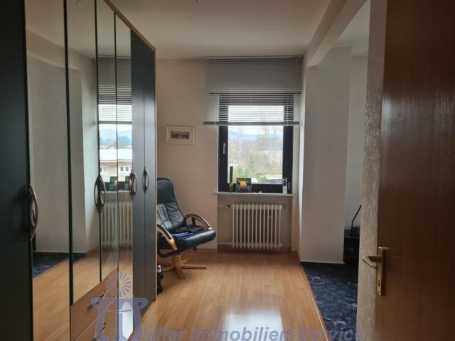 haus kaufen 8 zimmer 166 m² kirkel foto 4