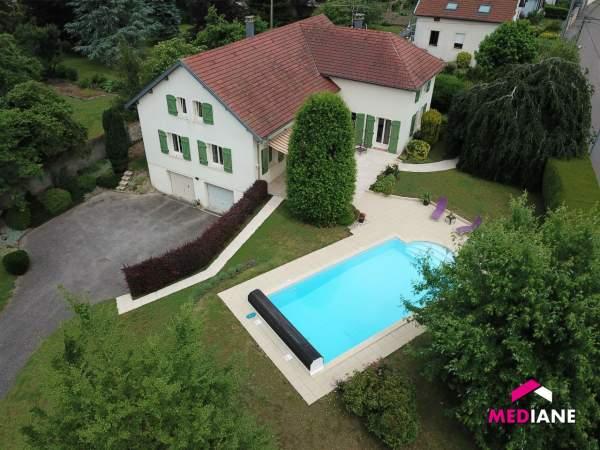 acheter maison 10 pièces 242 m² charmes photo 1