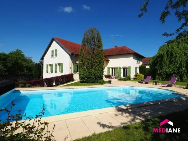 acheter maison 10 pièces 242 m² charmes photo 2