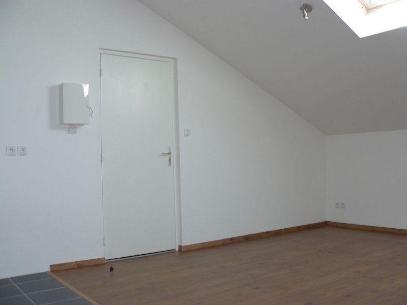 louer appartement 2 pièces 43 m² thierville-sur-meuse photo 2