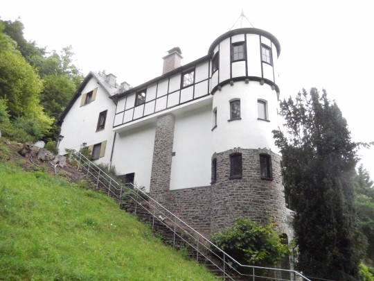 herrenhaus kaufen 16 zimmer 290 m² mayen foto 1